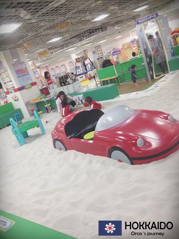 ทรายปลอมที่เล่นในห้าง